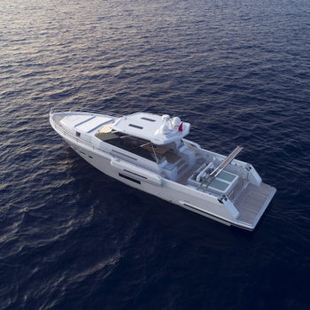icyacht-exterior-brave-2